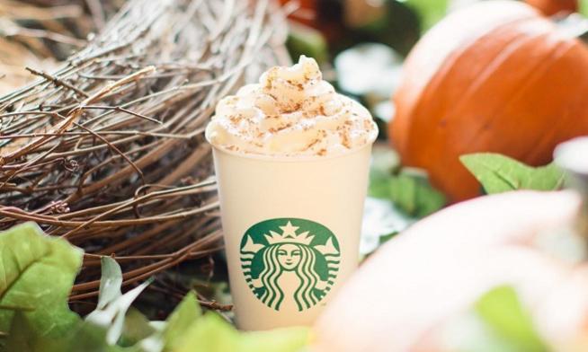 Starbucks întâmpină toamna cu noi băuturi și deserturi de sezon